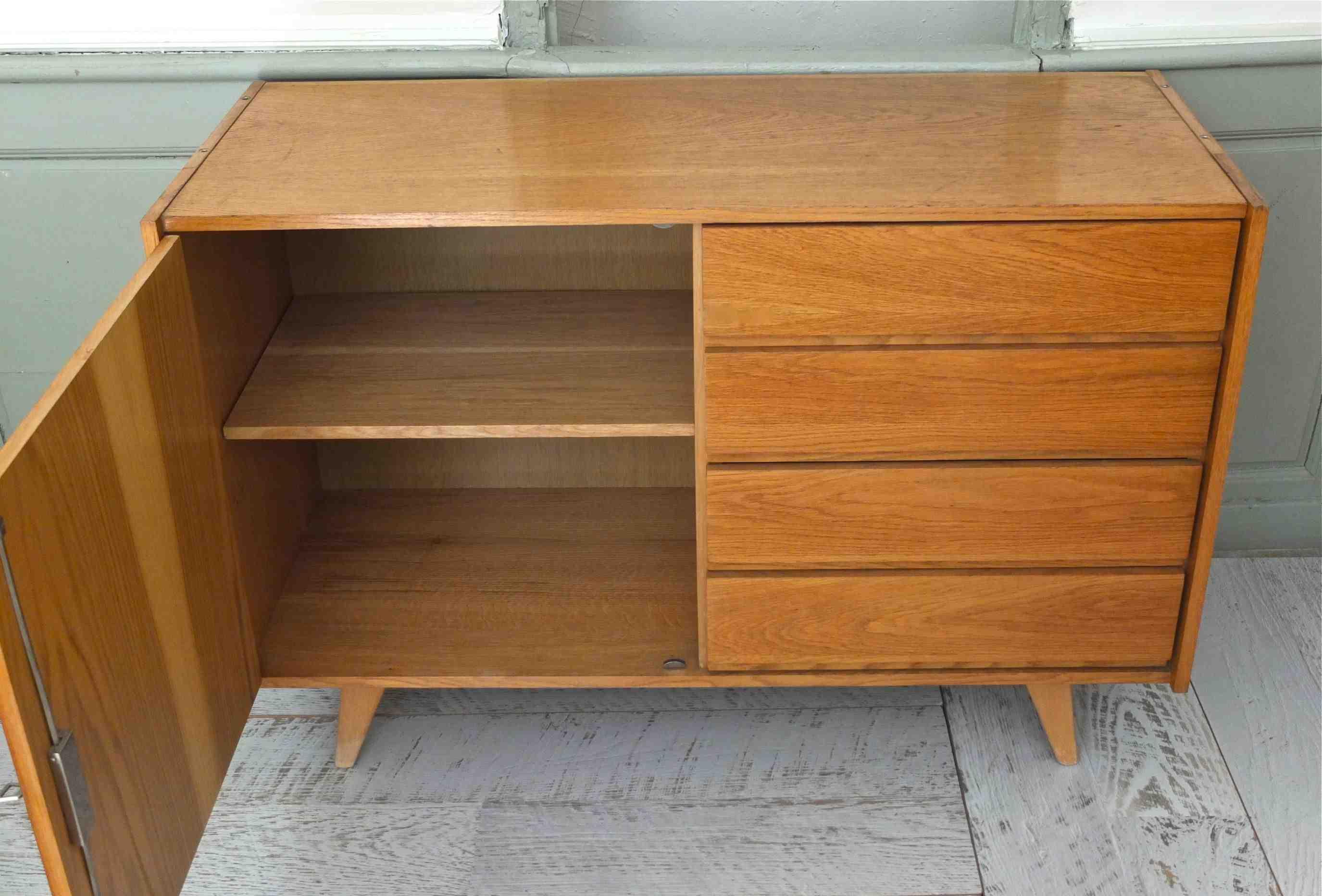 slavia vintage mobilier vintage commode pieds compas de ji jiroutek ann es 60 essential. Black Bedroom Furniture Sets. Home Design Ideas