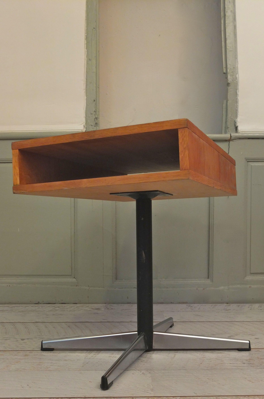 slavia vintage mobilier vintage table basse pied chrom sao paulo. Black Bedroom Furniture Sets. Home Design Ideas
