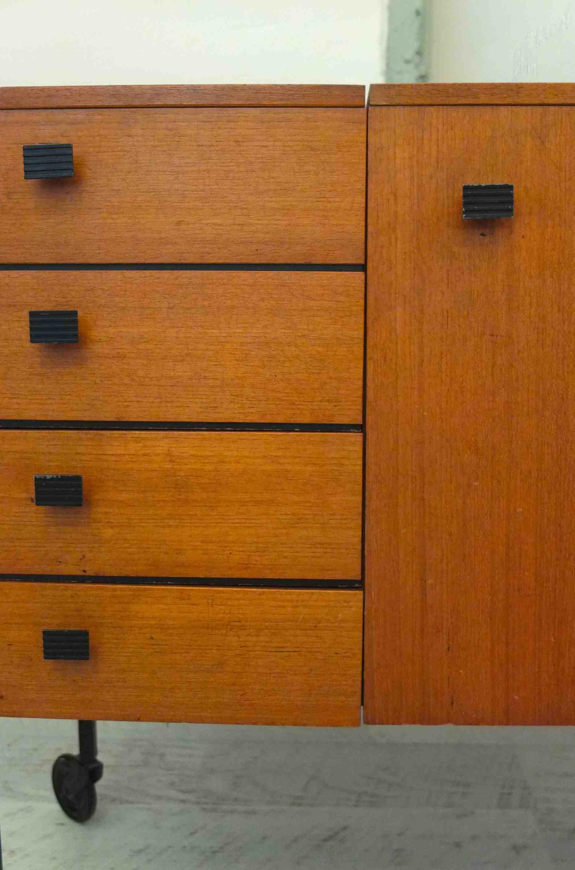 Slavia vintage mobilier vintage commode des ann es 60 echec et mat for Meuble allemand contemporain