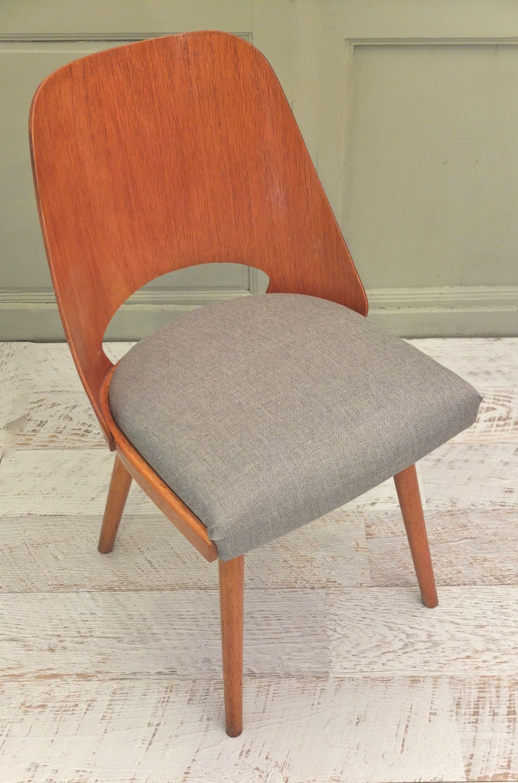 slavia vintage mobilier vintage chaise ton en bois courb nordic. Black Bedroom Furniture Sets. Home Design Ideas