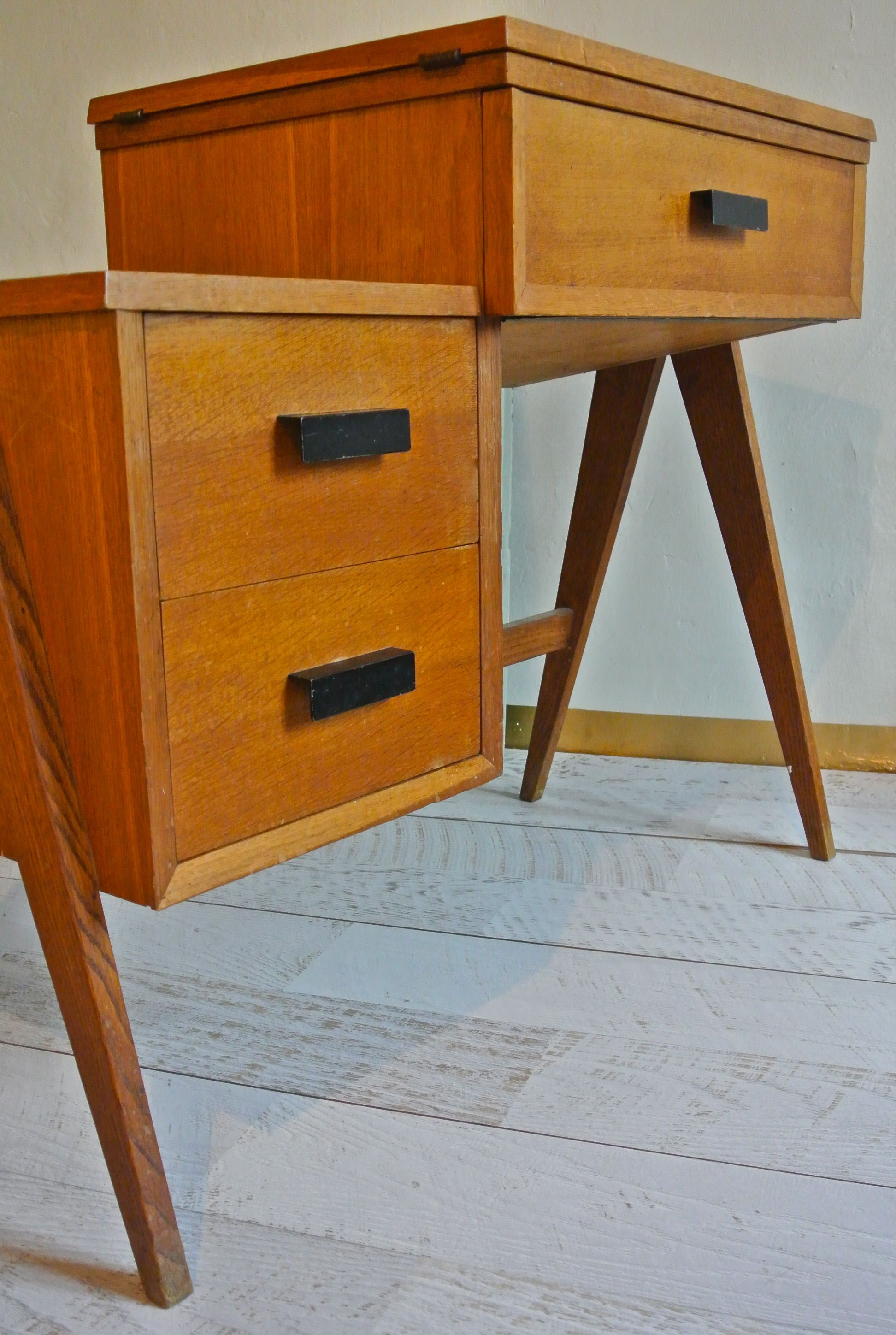 slavia vintage mobilier vintage bureau pieds compas. Black Bedroom Furniture Sets. Home Design Ideas
