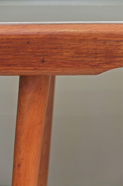 slavia vintage mobilier vintage table pieds compas clair obscur. Black Bedroom Furniture Sets. Home Design Ideas