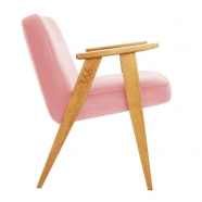 """fauteuil """"366"""" Jozef chierowski - 366 concept - """"velvet""""  velours rose poudré - teinte chêne - design polonais"""