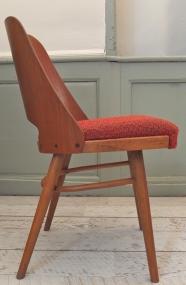 """chaise en bois courbé Ton """"Arco"""""""