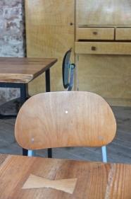 "chaise de style industriel ""Tovarna"""