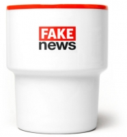 """mamsam - mug en porcelaine """"Fake news"""" / graphisme polonais"""