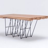 "design polonais - Table ""Masiv"" en chêne - St Furniture"