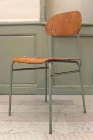 "chaise de style industriel ""Tovarna"" - BL"