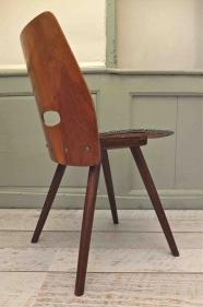 """Chaise en bois courbé des années 50 Tatra """"Fox""""2"""