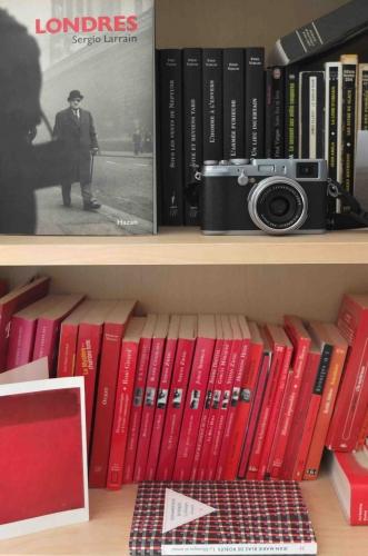 Slavia vintage livres accumulés par couleur galerie