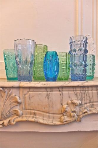 vase en verre bleu des annees 60 Isolda slavia vintage