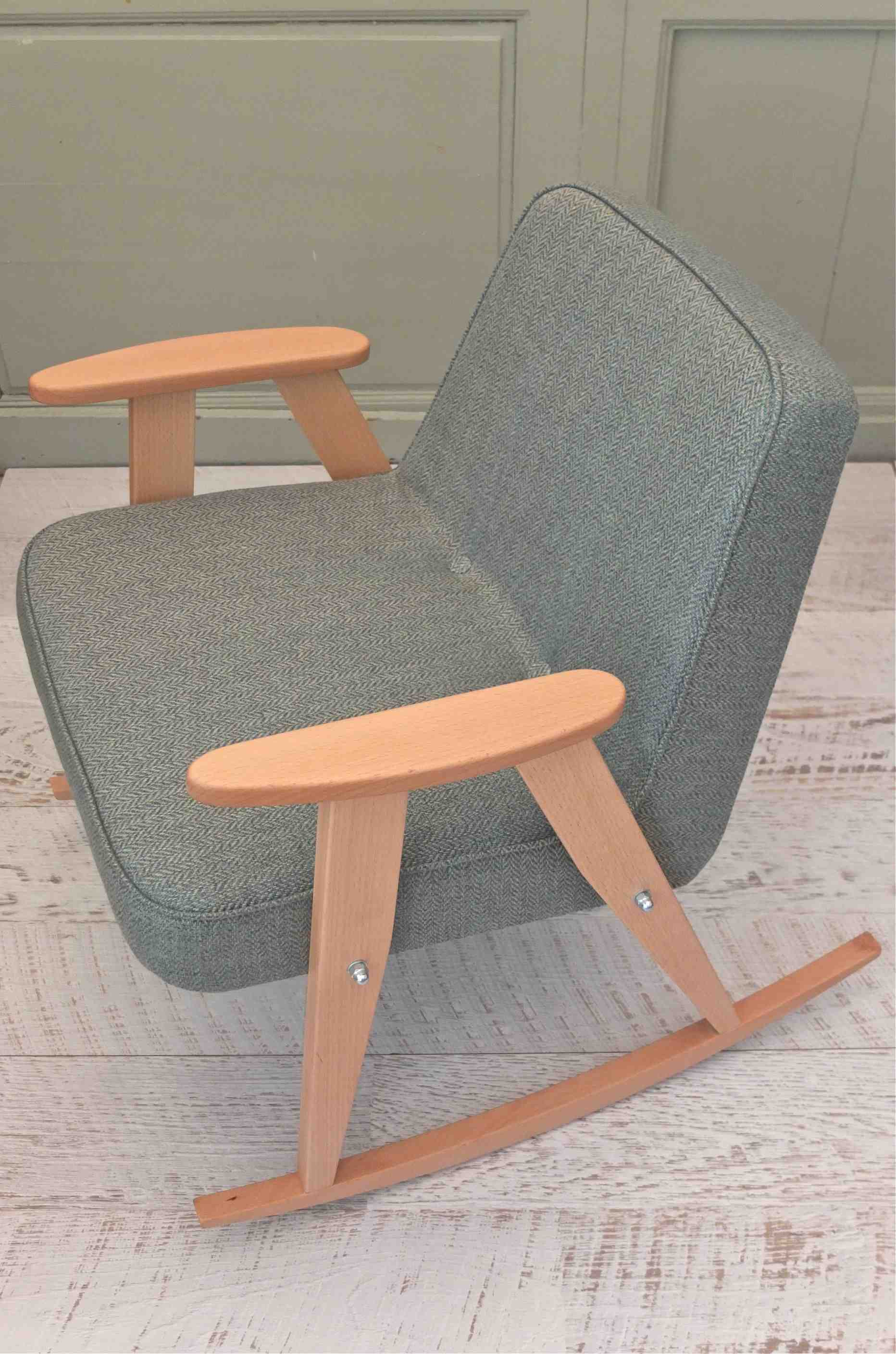 design polonais 366 concept rocking chair 366 jozef Chierowski 9